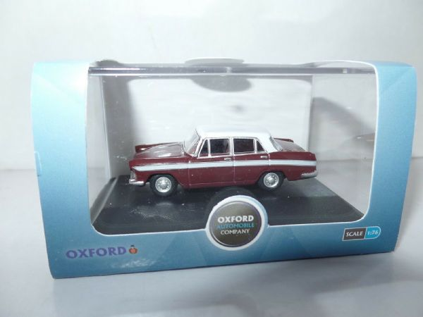 Oxford 76ACF003 ACF003 1/76 OO Scale Austin Cambridge Maroon B & Snowberry White